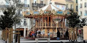 le-carrousel-de-noel-sur-la-place-du-forum_745781_510x255